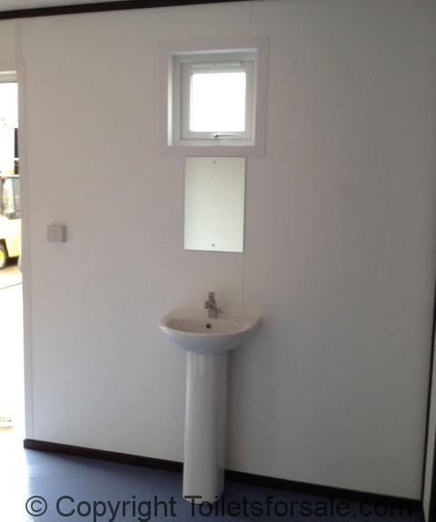 Sink unit and mirror